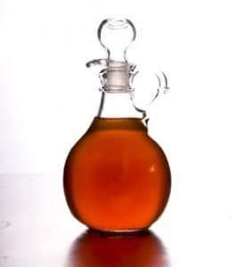 vinegar for dog scratching ears